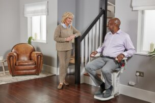 Lifestyle photography stairlift CURVE 588