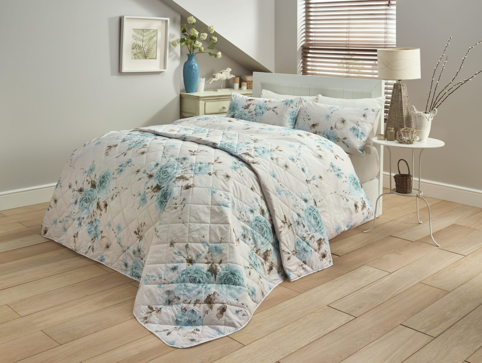 Country Rose Throw