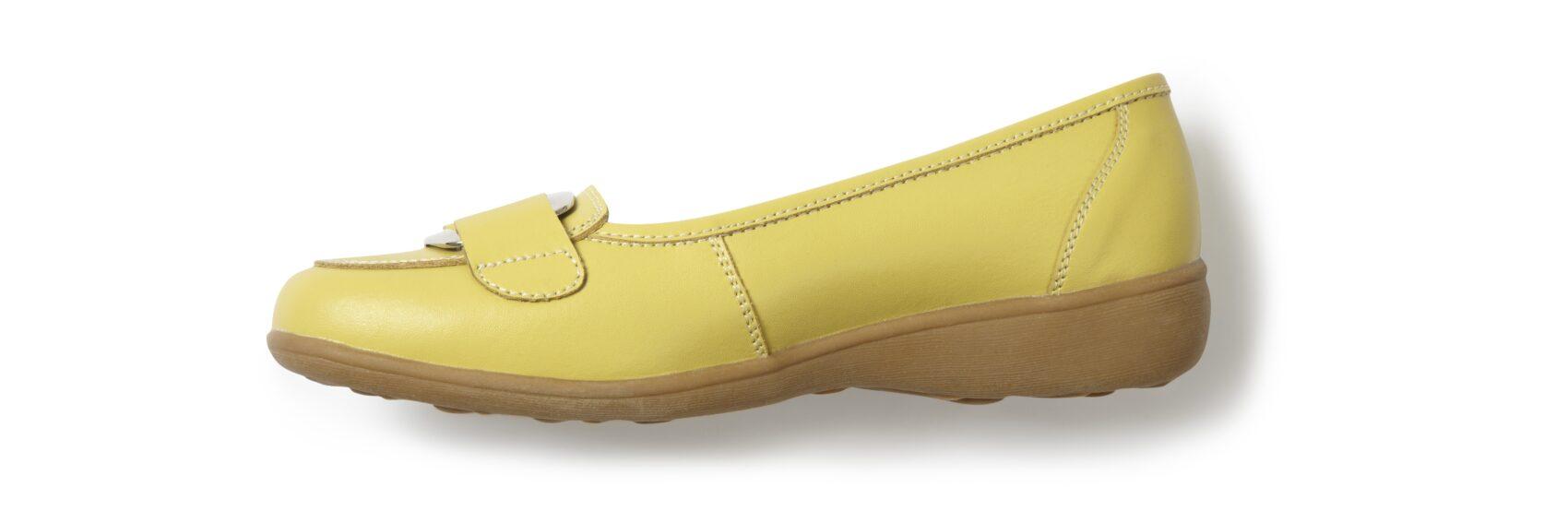 Footwear 16